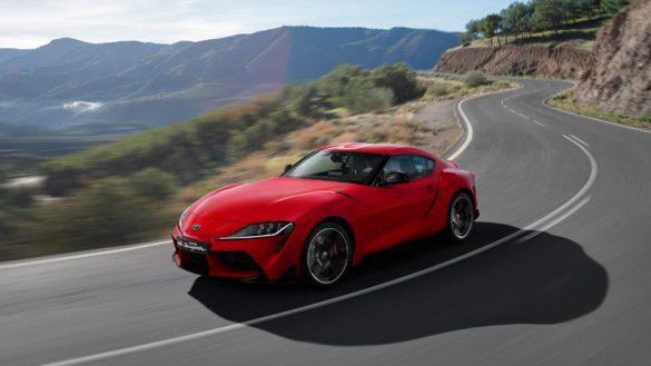 Toyota Supra 2019, tres cuartos delantero, dinámica